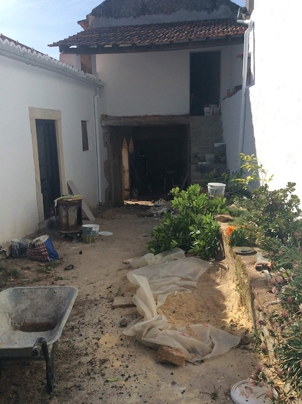 Renovation-of-an-old-manor-house-in-portugal